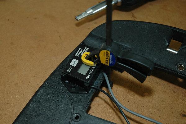 Modern Vespa : LX150: Installing a Tiny Tach